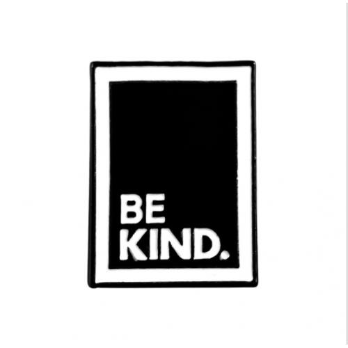 """Купить значок """"Be kind."""" на одежду в Минске"""