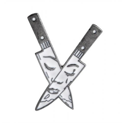 "Купить значок ""Ножи""  27 х 38 мм на одежду в Минске"