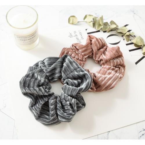 Купить велюровая резинка для волос в полосочку в Минске