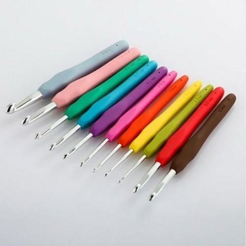 Купить крючок для вязания набор крючков с силиконовой ручкой d 2.0-8.0 мм в интернет-магазине
