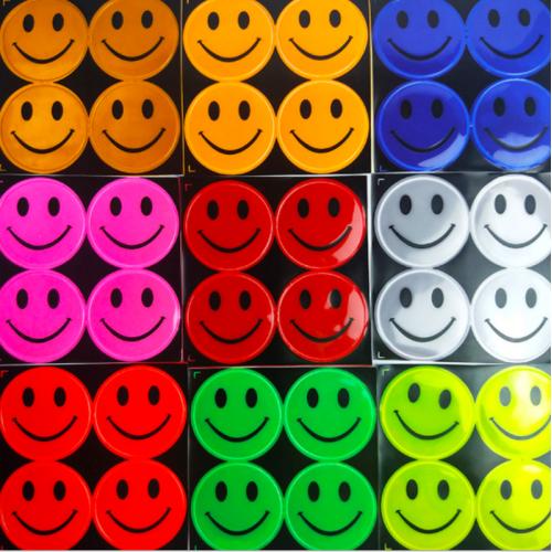 """Cветоотражающая наклейка на одежду (фликер) """"смайлик"""""""