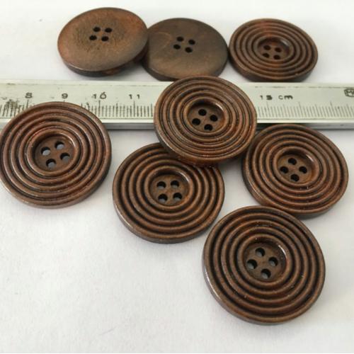 Купить деревянные резные пуговицы 30 мм в Минске
